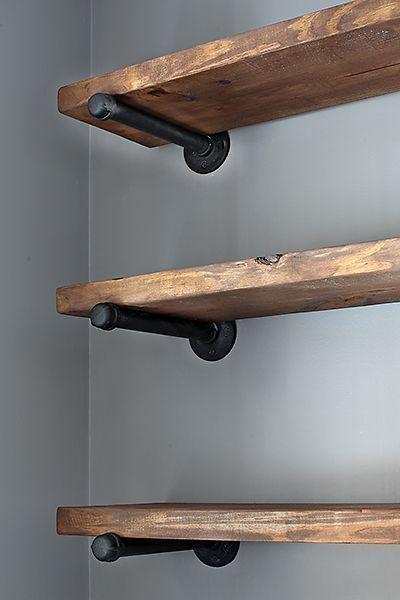 Restaurierungshardware inspirierte Regale! Das würde in einem .