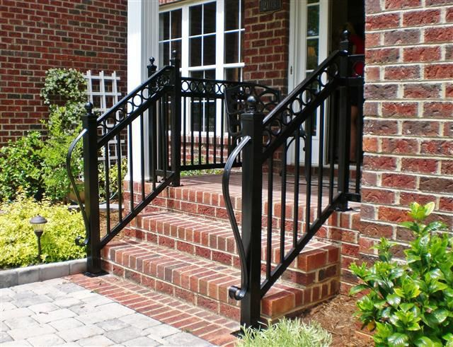 Decorative Step Rail with rings and long lamb Tongue | Treppe .
