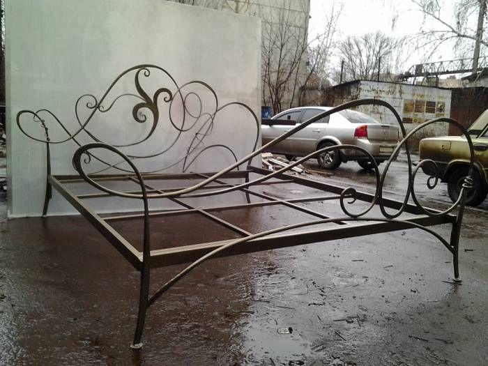 Schmiedeeisen Betten. Die geschmiedeten und metallischen Betten .
