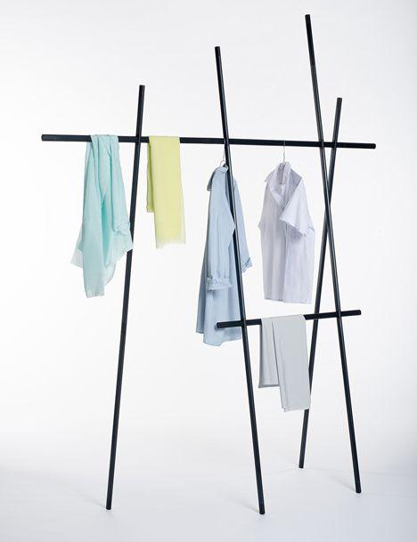 Clothes rack by Martha Schwindling   Schwarze wohnzimmermöbel .