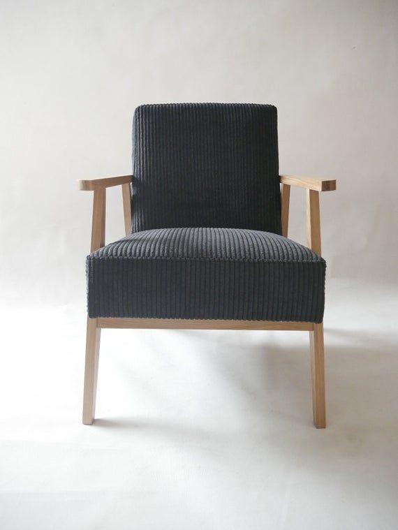 Schwarzer Cordsessel ist aus Massivholz / Loft Retro Vintage OAK .