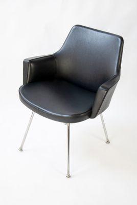 Holen Sie sich die Schönheit eines Stuhls mit schwarzem Sessel für .