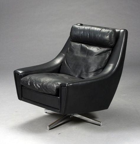 Schwarzer Ledersessel mit verchromtem Drehfuß/ Lounge Sessel in .