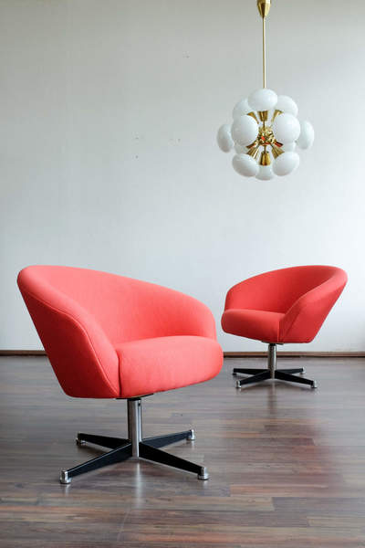 """Pair Of Swivel Club Chairs """"Sessel Capitol"""" Made In Germany, 1960s ."""