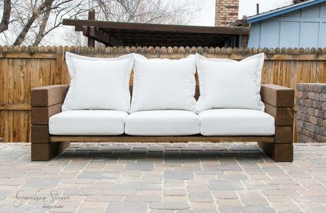 DIY-Sofa im Freien | Outdoor sofa, Diy sofa und Im frei