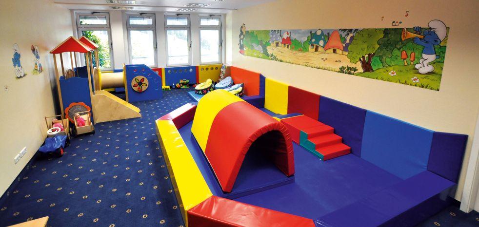 Süße Spielzimmermöbel | Kindermöbel | Kinderspielzimmer .