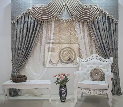 Luxus vorhänge mit floralen ornamenten, spitzenvorhänge, pelmet .