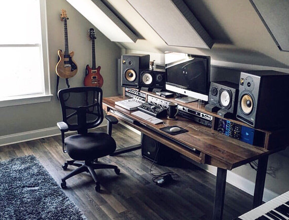 Studio Schreibtisch