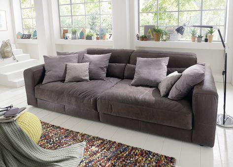 Riesen Ledersofa. Extra tiefes Sofa um einfach mal zu chillen .