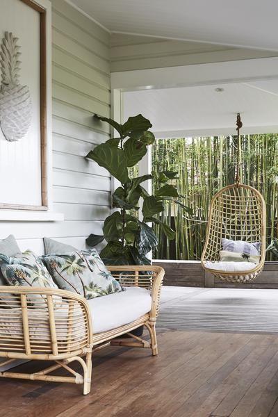 Natürliche Rattan-Gartenmöbel: Rattan-Tischstühle und -sesse .