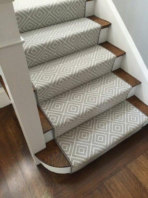 moderner Treppenteppich klassisch Farbduo schwarz- weiß (mit .